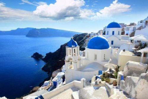 [新聞] 地理位置、較低的消費水平、低犯罪率使希臘成為更多消費階級的選擇。